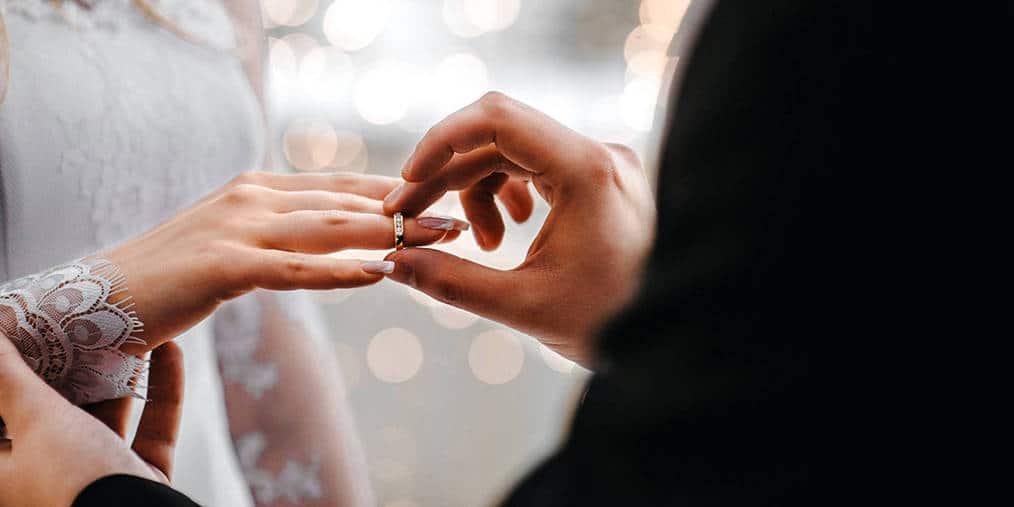 5 flower wall ideas for an unforgettable wedding